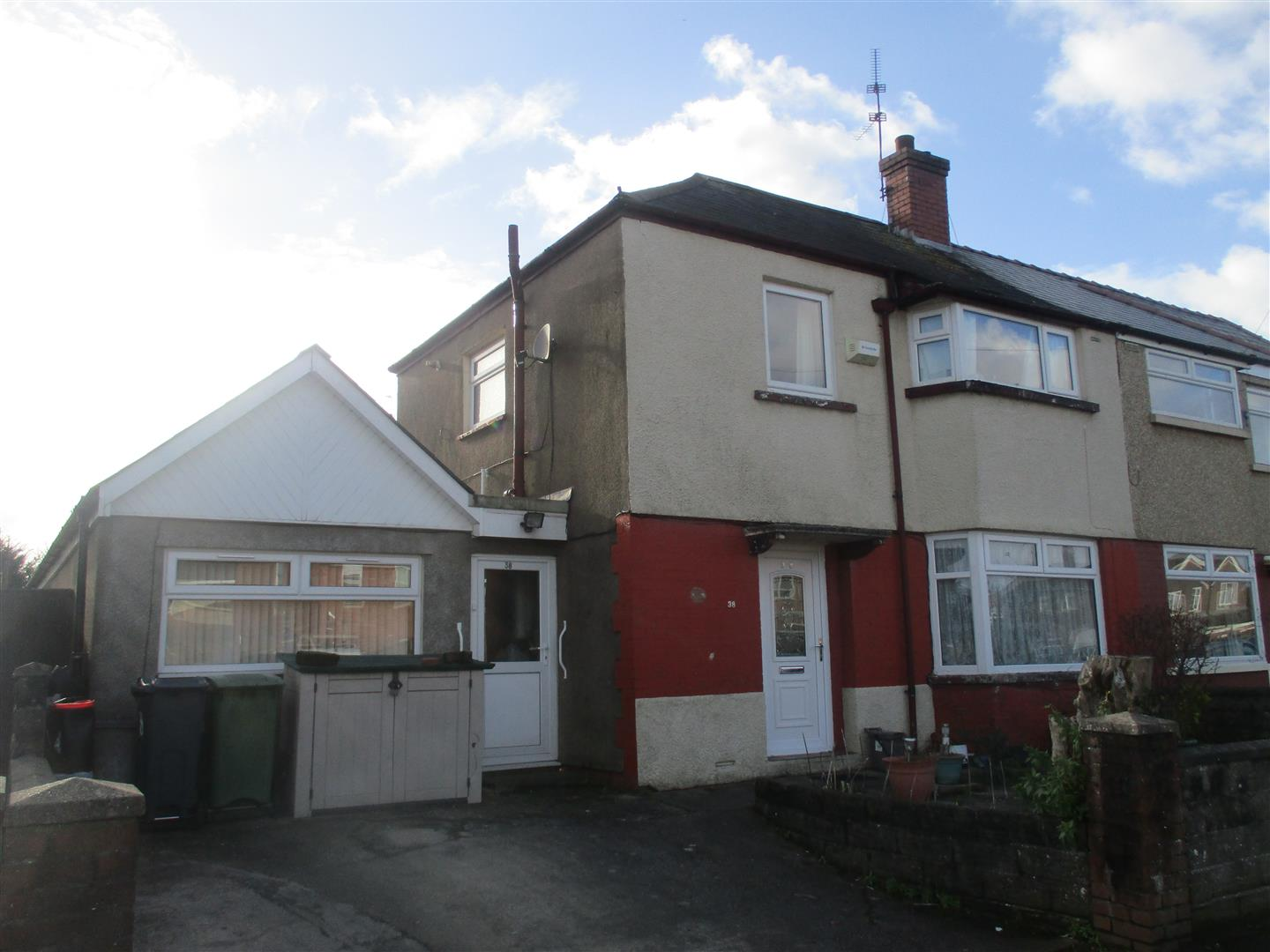 3 Bedrooms Semi Detached House for sale in Dyfrig Road, Cardiff